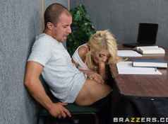 Brazzers Quicky in the classroom...