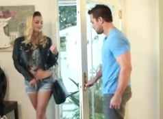 Natalia Starr is the hot neighbor...