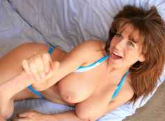 Big titted mom Mrs. Valentina meets the neighbor guy Jimmy. Who surprisingly to her has one huge cock....